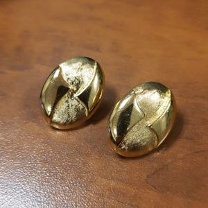 Gold Colored MONET vintage clip on earrings